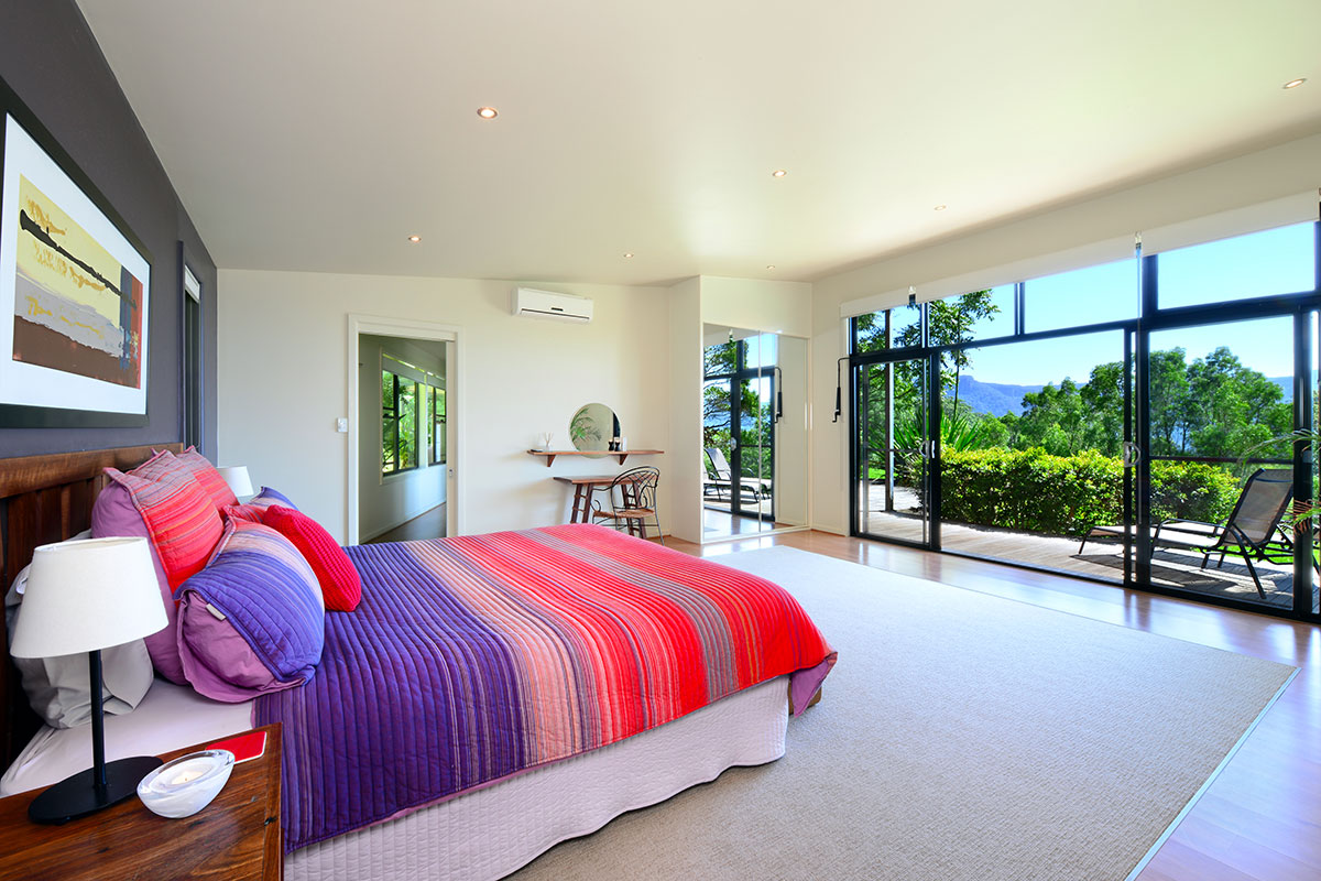 Aurora Cottage Bedroom, The Heavens, Kangaroo Valley