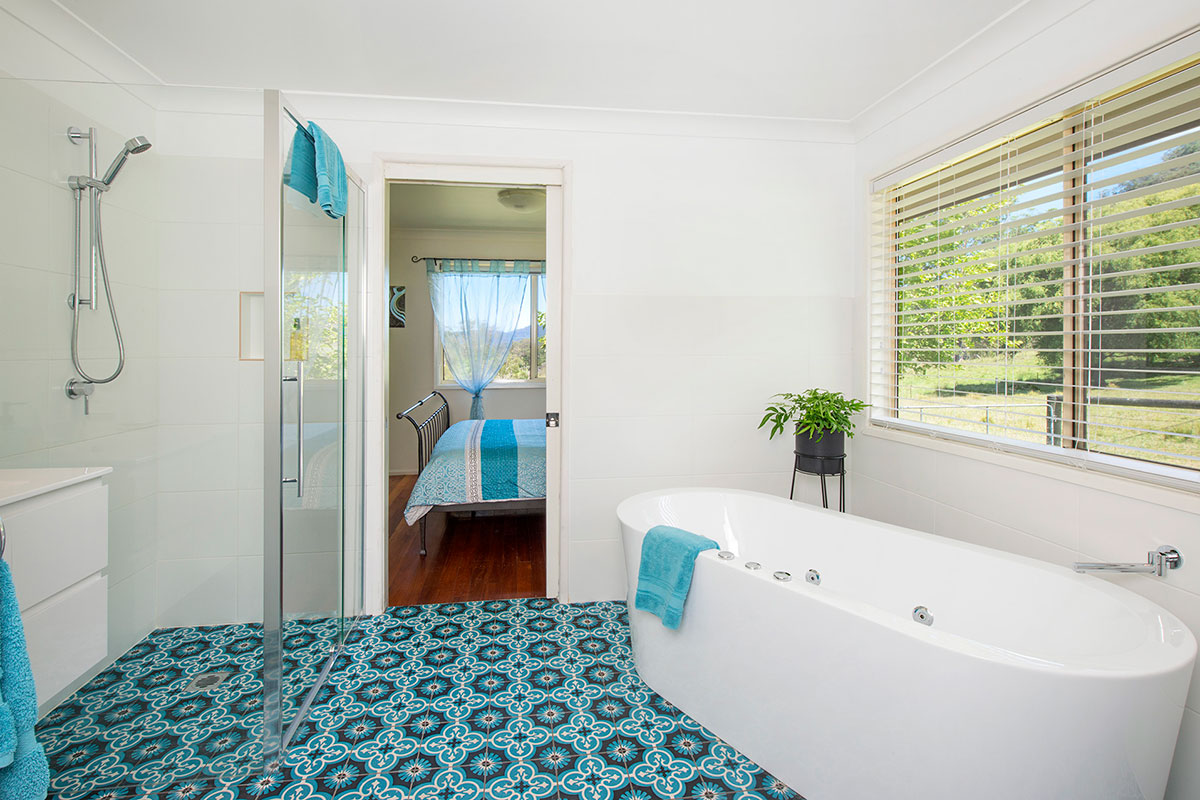 Elysium Cottage Spa Bath, The Heavens, Kangaroo Valley